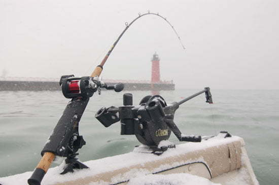 Ice fishing fish finders trolling motor muskie tips for Musky fishing rods